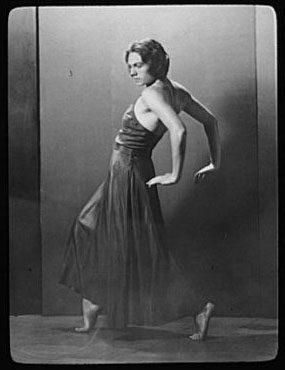 Fé Alf, dancer at the Wigman School, which Hanya Holm launched in New York in 1931.