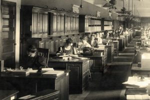 Image of Women working in the Copyright Office circa 1900.