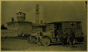 American Red Cross Ambulances in Italy, World War I Longshaw Kraus Porritt Collection, Veterans History Project, AFC2001/001/86295.