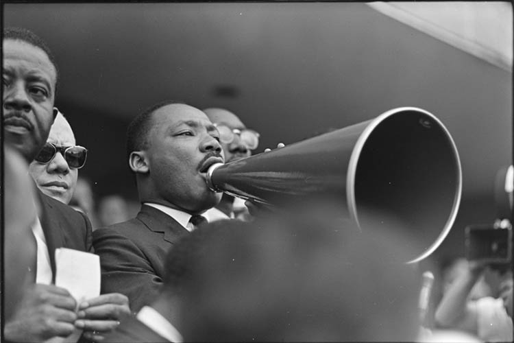 Dr. Martin Luther King, Jr. addresses crowd