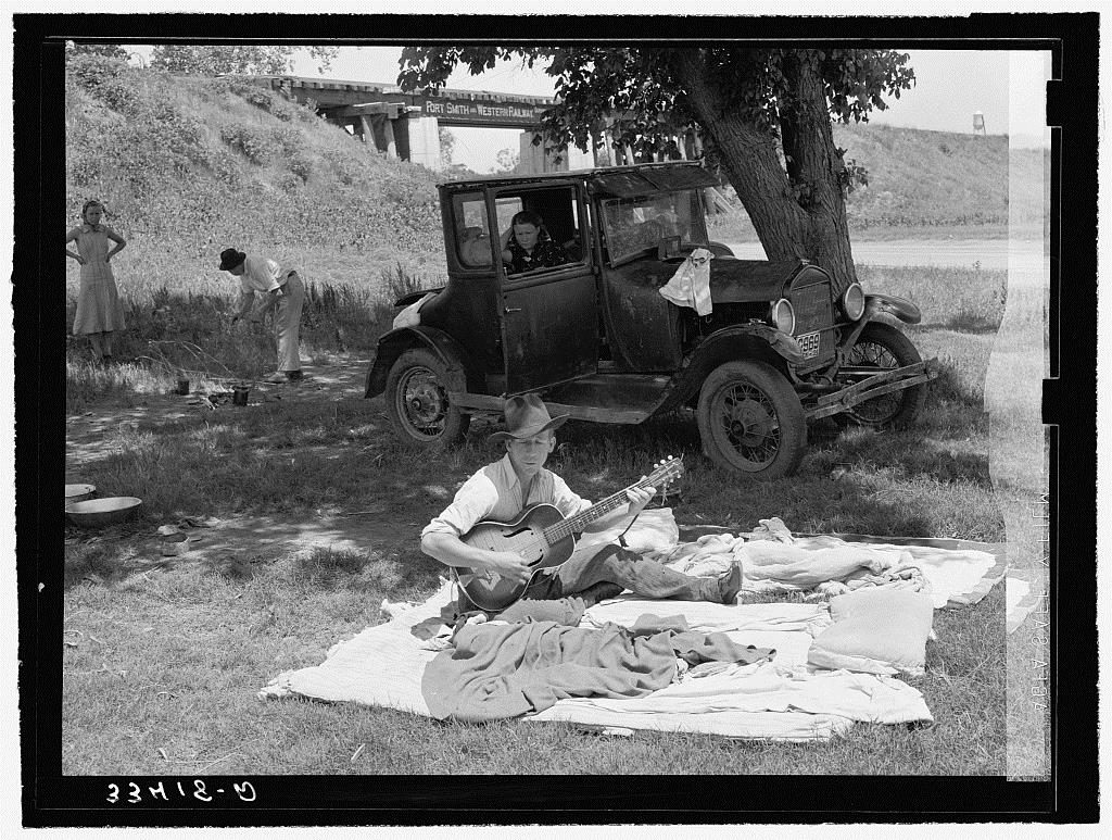 Photograph taken by Russell Lee at a migrant camp photographed in Lincoln County, Oklahoma in June 1939.