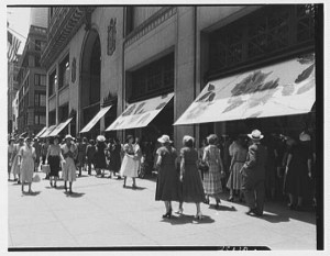 Lord & Taylor, business at 38th St. and 5th Ave., New York City
