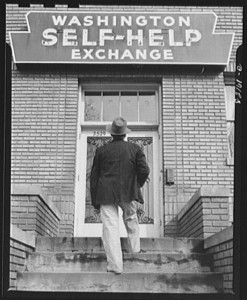 Washington, D.C. Prospective client moving steps at the self-help exchange, Jan. 1942. Part of the: U.S. Farm Security Administration/Office of War Information Black & White Photographs //loc.gov/pictures/resource/fsa.8c26372/