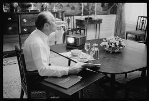President Gerald Ford eating breakfast at the White House. Marion S. Trikosko photographer, 1975. //www.loc.gov/pictures/item/2005678595/