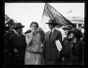 Grace Coolidge and Girl Scouts at White House, Washington, D.C., 1923. //www.loc.gov/pictures/item/hec2013013490/