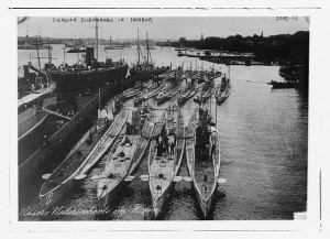German Submarines in habor (including U-20). Photograph from the George Grandham Bain Collection. (Created between 1914 and 1915). Library of Congress Prints and Photographs Division, //hdl.loc.gov/loc.pnp/ggbain.17782