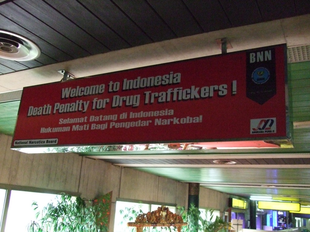 Welcome to Indonesia - Death Penalty for Drug Traffickers (Photo by Flickr user Jeroen Mirck, July 2009). Used under Creative Commons license, https://creativecommons.org/licenses/by-nc/2.0/.