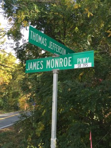 Road signs showing proximity of Thomas Jefferson and James Monroe. Photo by Fernando O. Gonzalez.