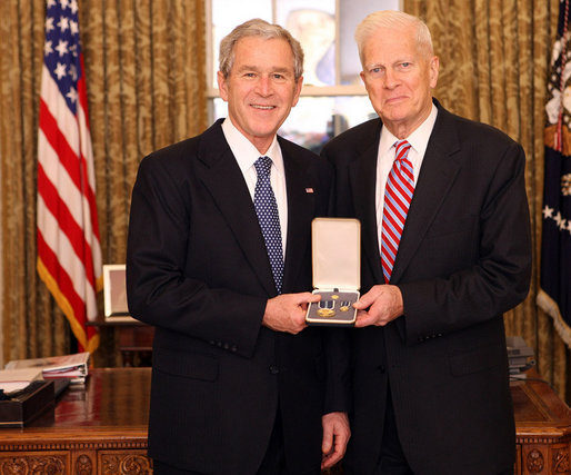 President Bush bestows the Presidential Citizens Medal to Librarian of Congress James H. Billington