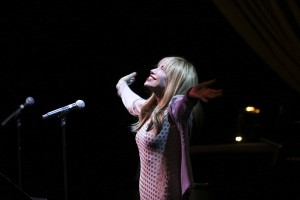 "Carly Simon at the sixth annual ""We Write the Songs"" concert. Photo by Amanda Reynolds."
