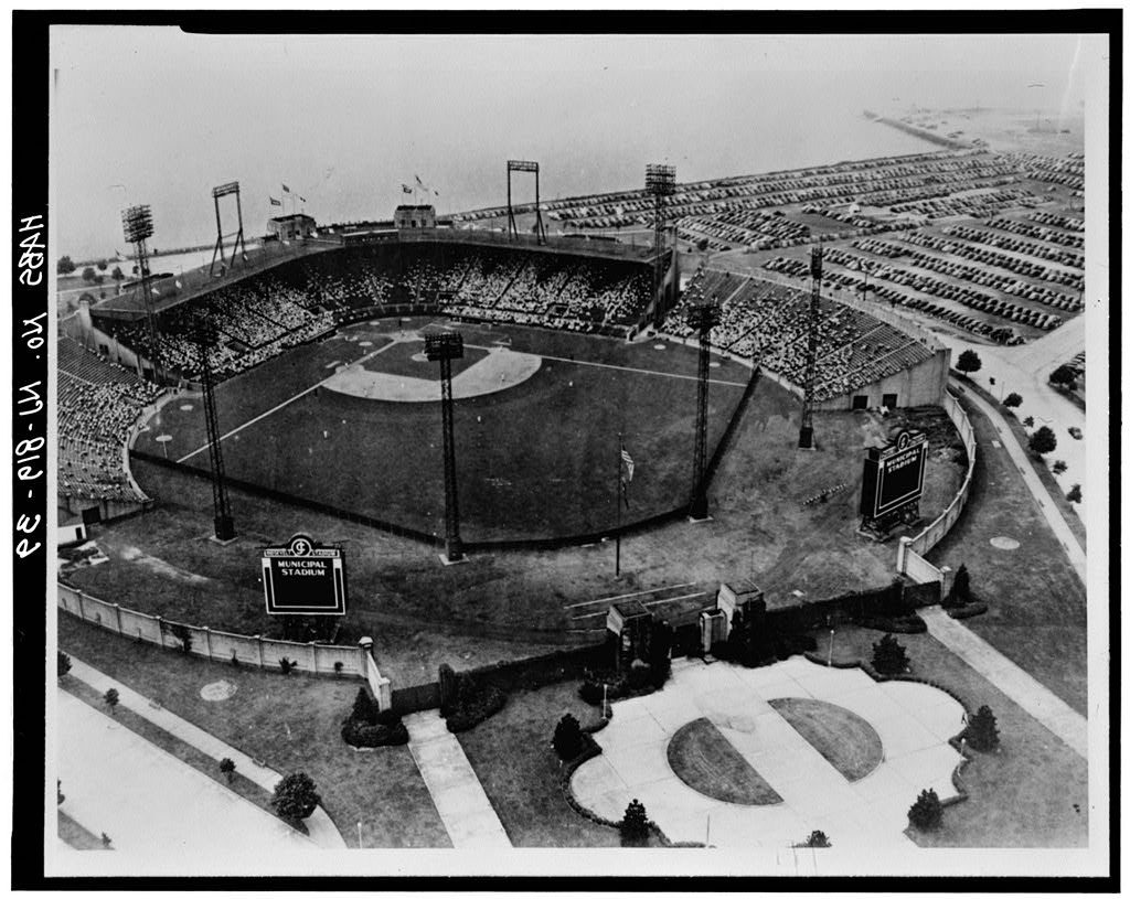 AERIAL VIEW DURING BASEBALL GAME, FROM SOUTHEAST, ca. 1940 - Roosevelt Stadium, State Route 440 & Danforth Avenue, Jersey City, Hudson County, NJ. Photo from Historical American Building Survey, ca. 1940. Prints and Photographs Division, Library of Congress.