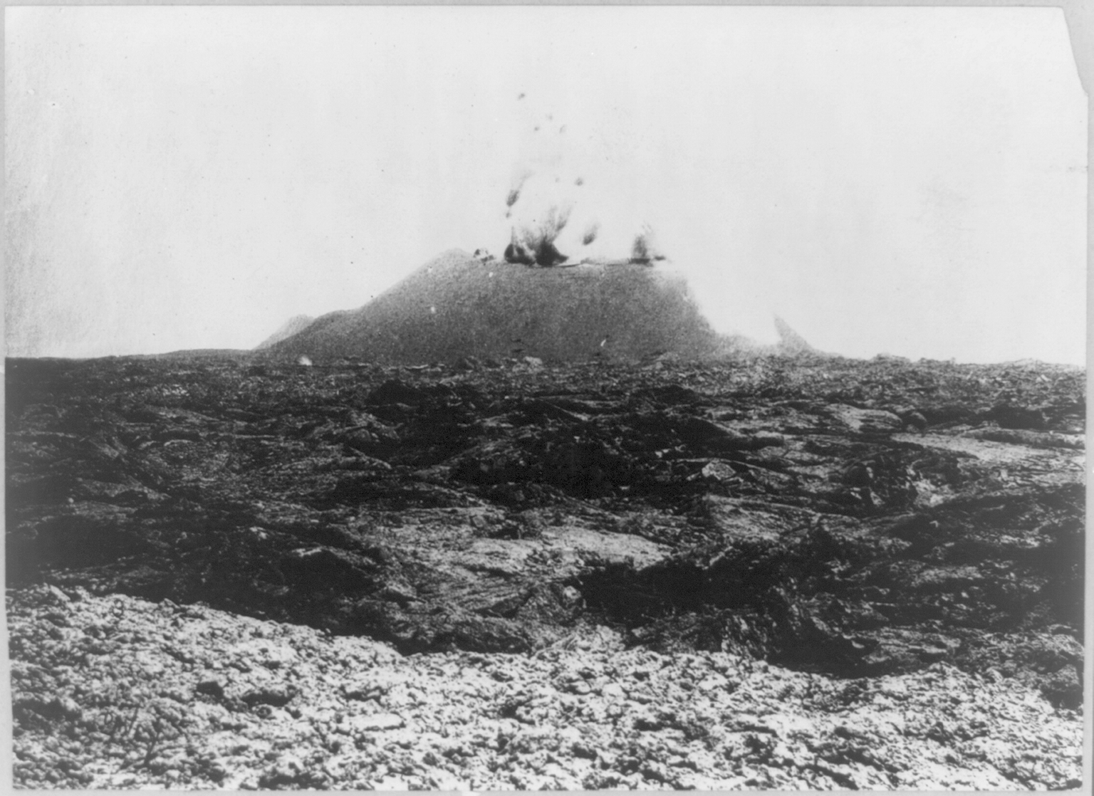 Mauna Loa volcano. Frank and Frances Carpenter Collection, between 1900 and 1923. Prints and Photographs Division.