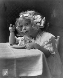 The ice cream girl. c1913. Prints and Photographs collection, Reproduction Nmber LC-USZ62-66300