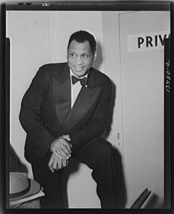 Photo of Paul Robeson, at the Watergate for Russian war anniversary benefit