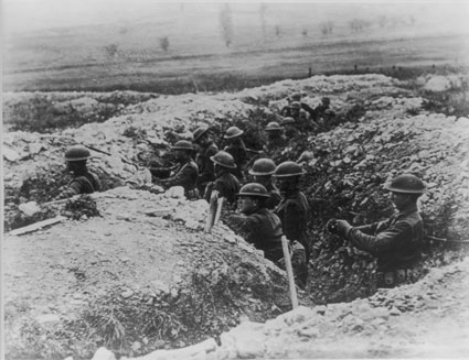 American soldiers in trenches, France, 1918
