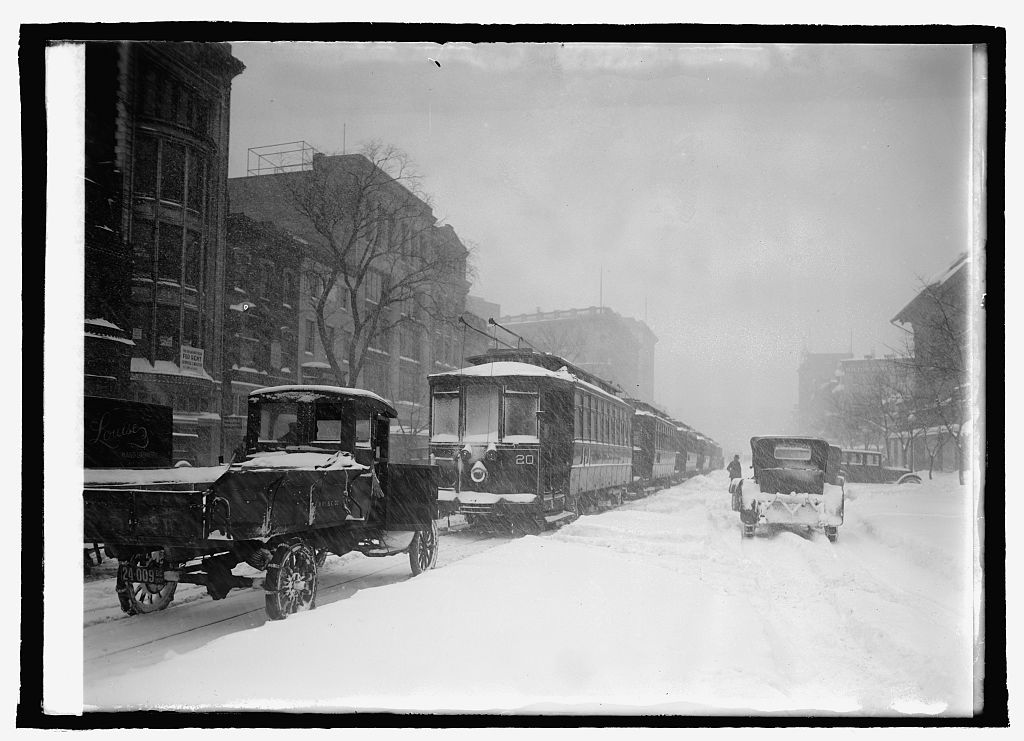 Blizzard, 1/28/22. Photo by National Photo Company, 1922. //hdl.loc.gov/loc.pnp/npcc.22635