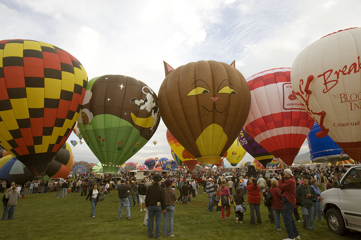 Annual balloon festival, Albuquerque, New Mexico. Photo by Carol M. Highsmith, 2006 October 7. //hdl.loc.gov/loc.pnp/highsm.04874