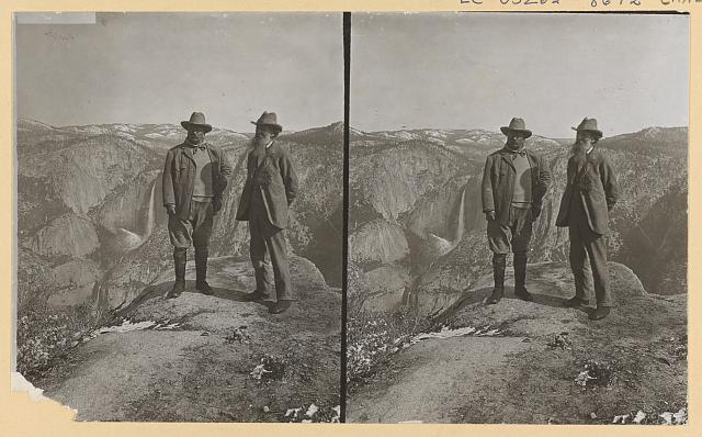 Theodore Roosevelt and John Muir on Glacier Point, Yosemite Valley, California, in 1903. Photo by Underwood & Underwood, copyrighted 1906. //hdl.loc.gov/loc.pnp/ppmsca.36413