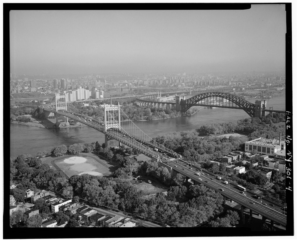 TRIBOROUGH SUSPENSION BRIDGE, QUEENS APPROACH. - Triborough Bridge, Passing through Queens, Manhattan & the Bronx, Queens (subdivision), Queens County, NY. Photo by Jet Lowe for HAER, October 1991. //hdl.loc.gov/loc.pnp/hhh.ny1799/photos.351352p