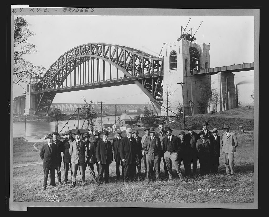 Hell Gate Bridge, Oct. 11, 1916. Photo copyrighted by B. Hellmich, 1916 Nov. 6. //hdl.loc.gov/loc.pnp/cph.3b24235