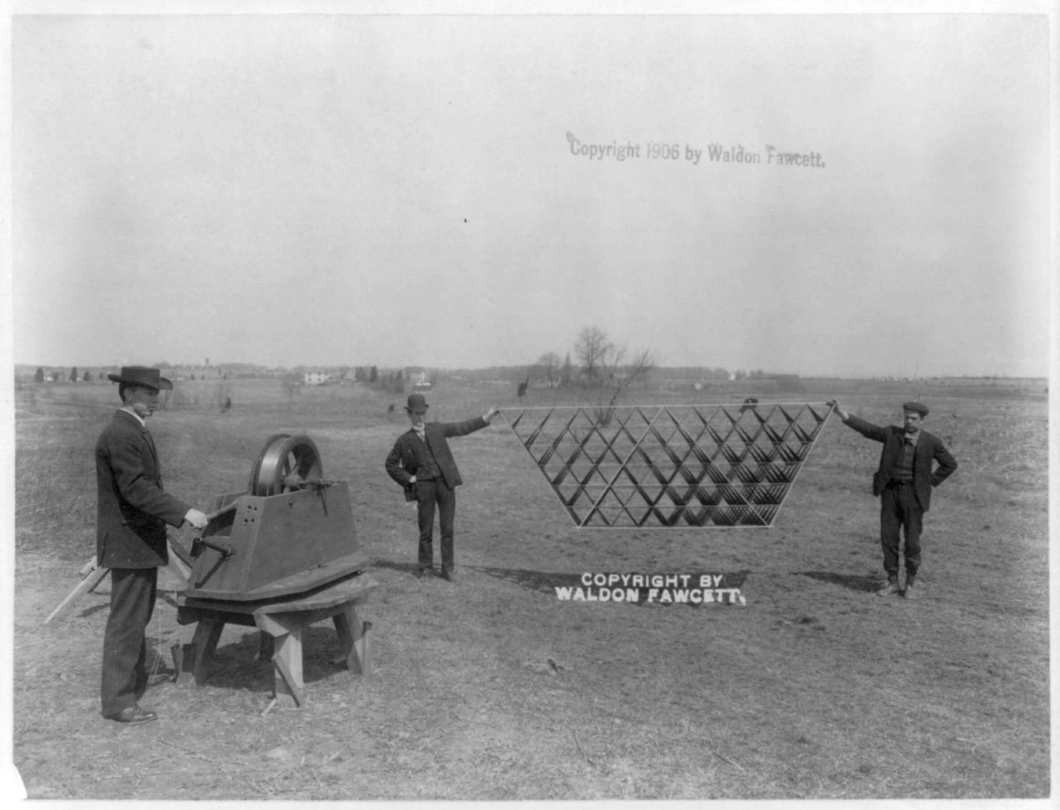 Wireless telegraphy kite. Photo copyrighted by Waldon Fawcett, 1906. hdl.loc.gov/loc.pnp/cph.3a45274