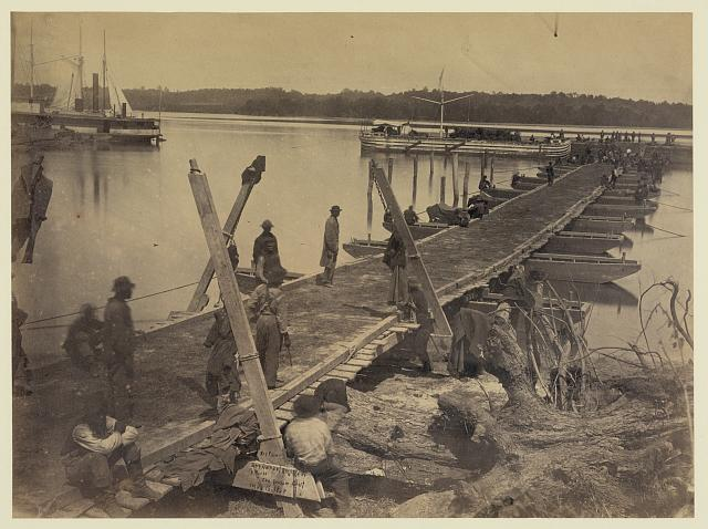 Upper wharf, Belle Plain. Built by U.S.M.R.R. Construction Corps. Photograph by A. J. Russell, 1864 May 16. //hdl.loc.gov/loc.pnp/ppmsca.08301
