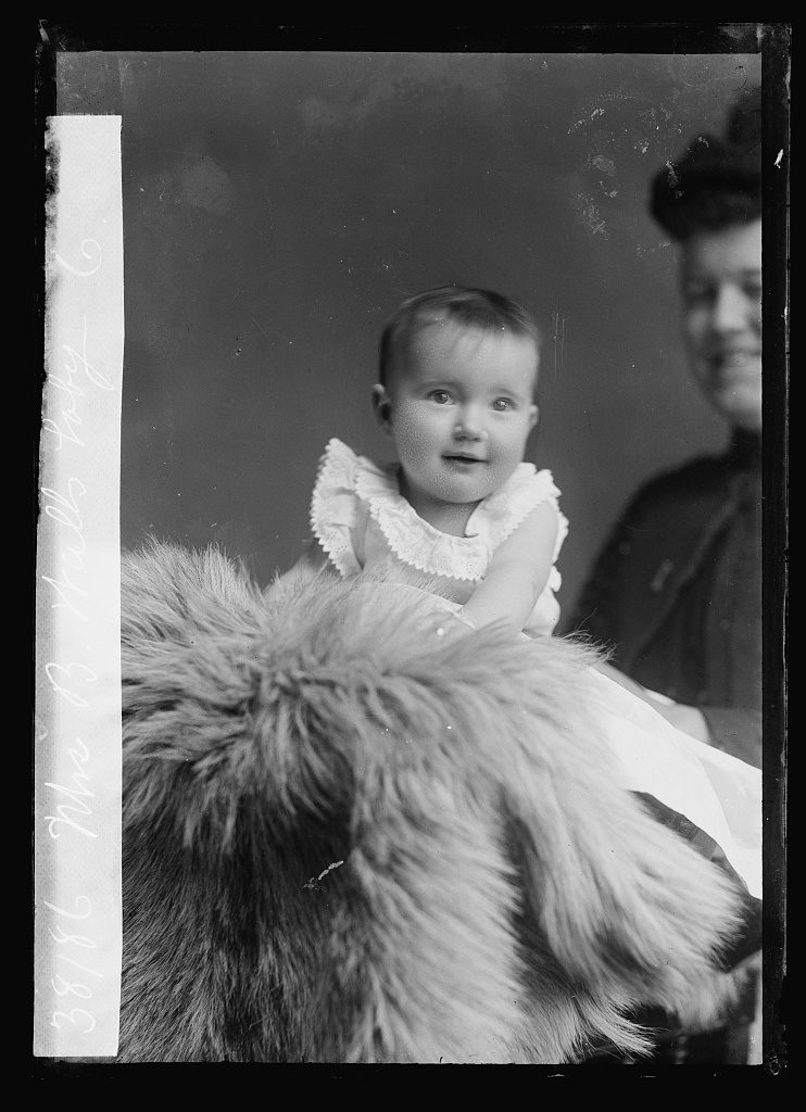 Walls, Mrs. B. [baby]. Photo by C.M. Bell, [between January 1891 and January 1894] //hdl.loc.gov/loc.pnp/bellcm.02860