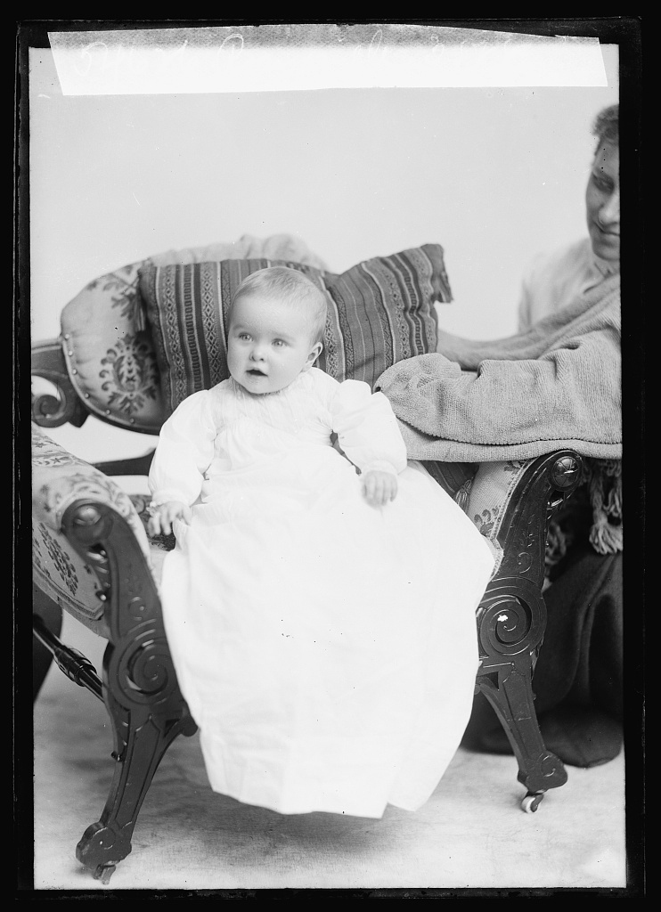 Ronsaville [baby] Photo by C.M. Bell, [between March 1905 and August 1906] //hdl.loc.gov/loc.pnp/bellcm.19614
