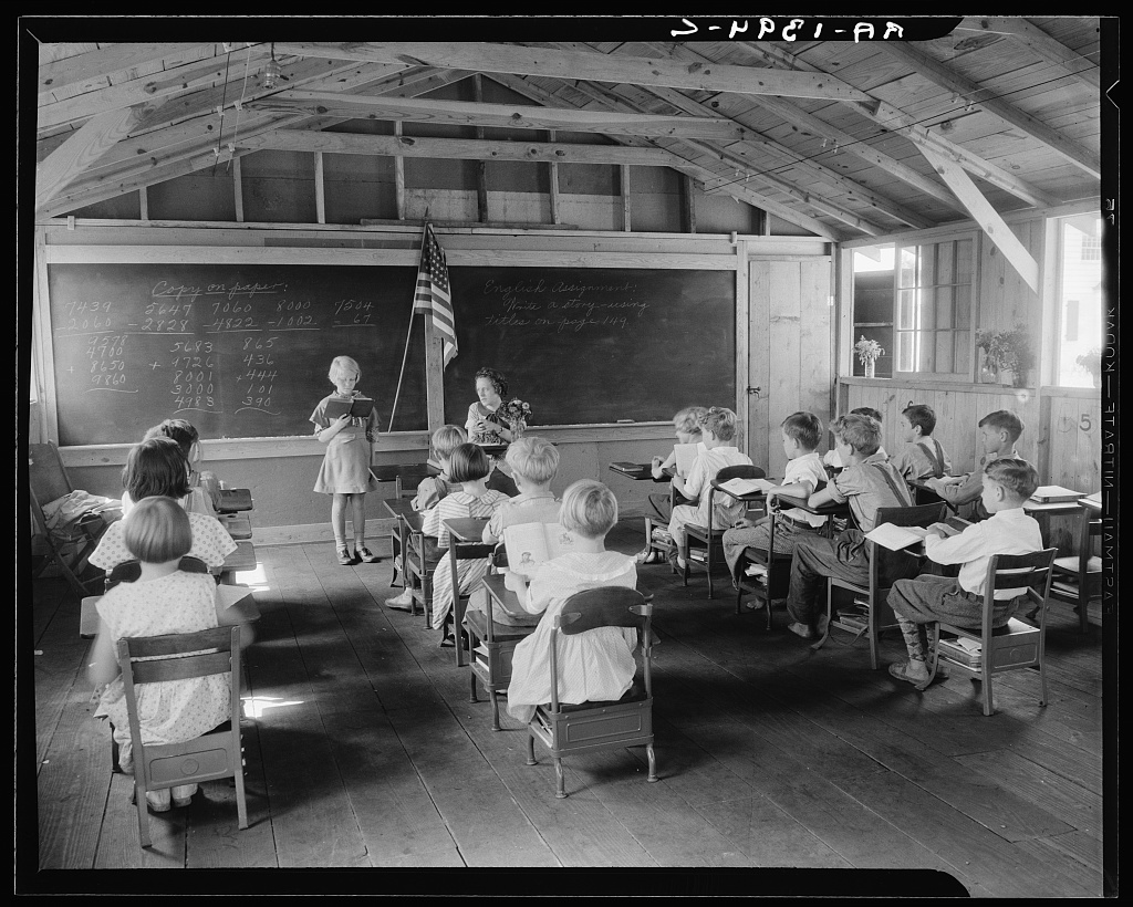 School. Red House, West Virginia. Photo by Elmer Johnson, between 1935 and 1942. //hdl.loc.gov/loc.pnp/fsa.8b26981