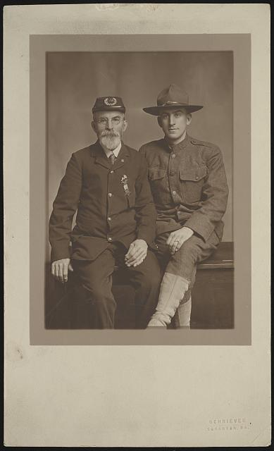 Unidentified Civil War veteran and unidentified World War I soldier. Photo by Schriever, between 1914 and 1918. //hdl.loc.gov/loc.pnp/ppmsca.53064