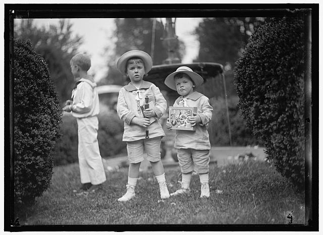 Friendship Charity Fete, Leiter Children. Photograph by Harris & Ewing, 1915. //hdl.loc.gov/loc.pnp/hec.05792