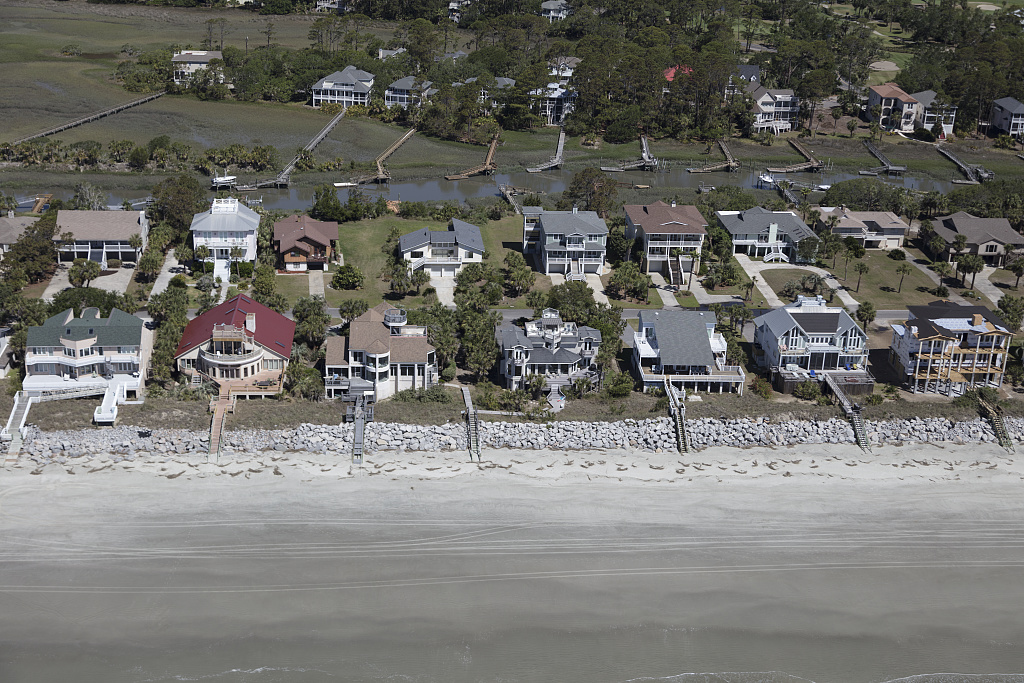 Aerial view of beach homes along the Atlantic Ocean coast on Fripp Island in Beaufort County, South Carolina. Photo by Carol M. Highsmith, 2017 May 1. //hdl.loc.gov/loc.pnp/highsm.42970