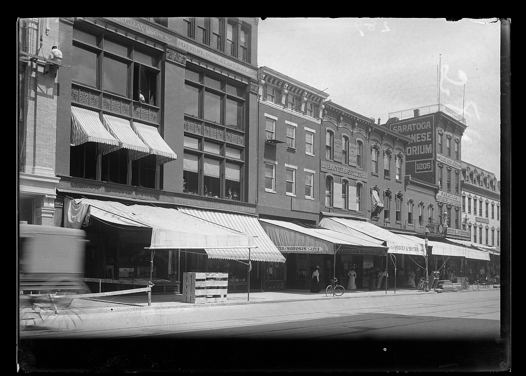 [View of businesses on F Street, N.W., North side, between 12th & 13th Streets...] Photo, 1901. //hdl.loc.gov/loc.pnp/ppmsca.40368