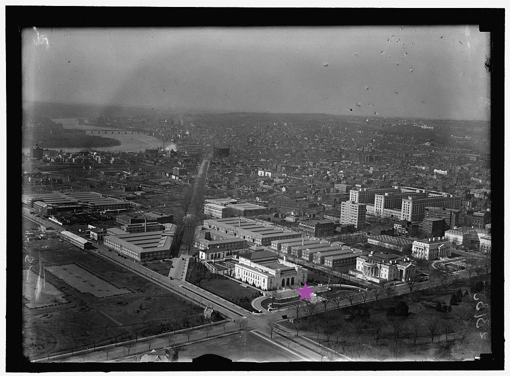WASHINGTON MONUMENT. VIEW OF PAN AMERICAN UNION AND N.W. FROM MONUMENT. Photo by Harris & Ewing, between 1913 and 1918. http://hdl.loc.gov/loc.pnp/hec.10496