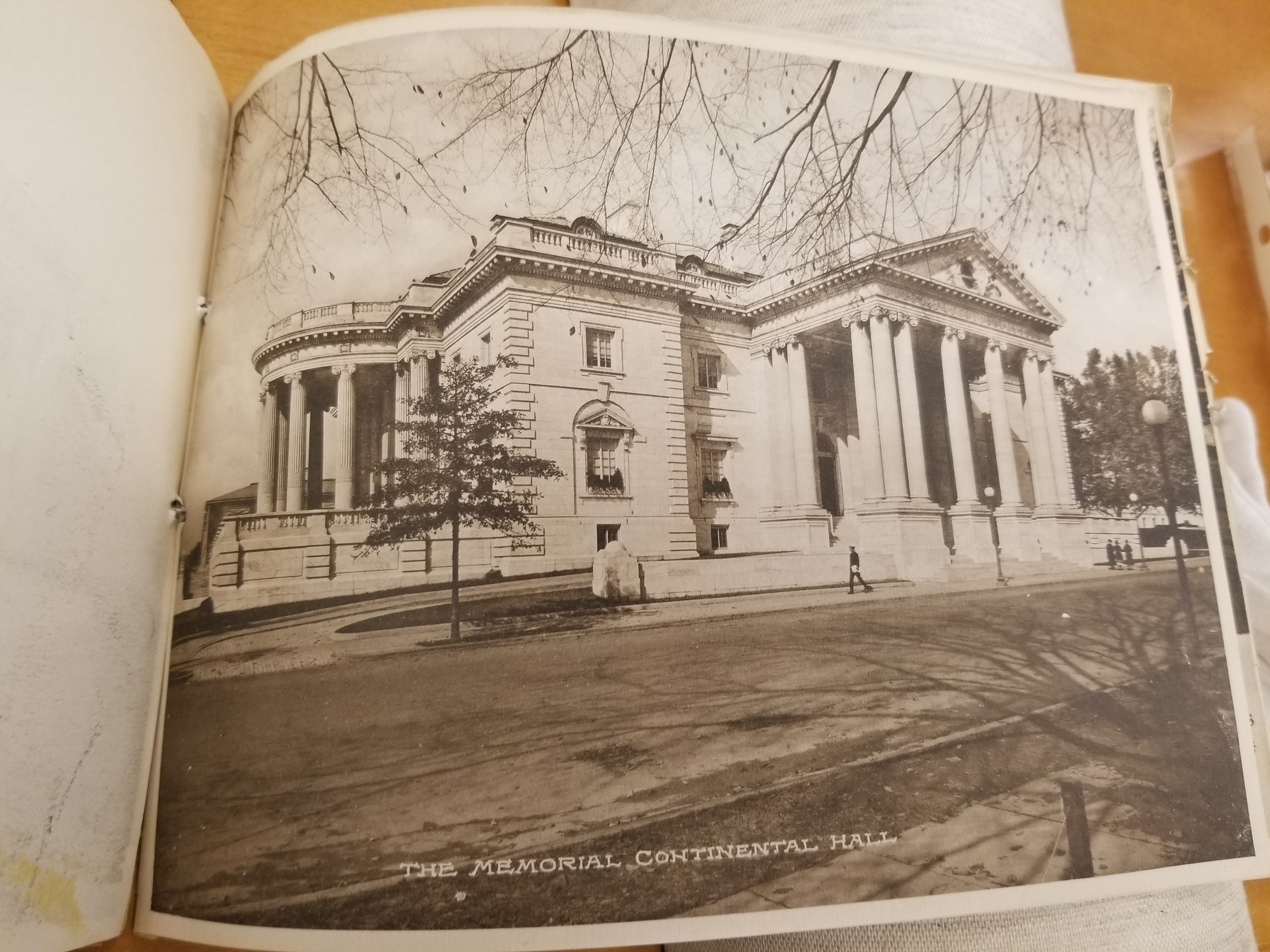 The Memorial Continental Hall from untitled viewbook in LOT 12043-1 (F). https://www.loc.gov/pictures/item/2004668785/