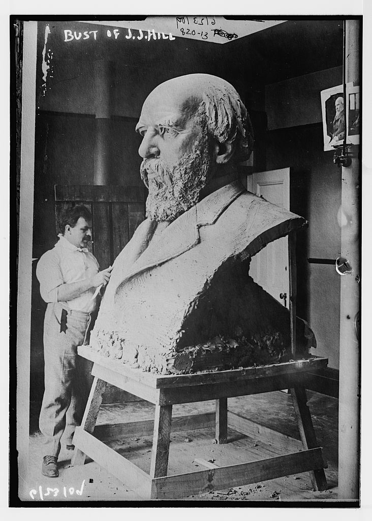 Sculptor working on bust of J.J. Hill. Photo by Bain News Service, 1909 June 23. //hdl.loc.gov/loc.pnp/ggbain.04010