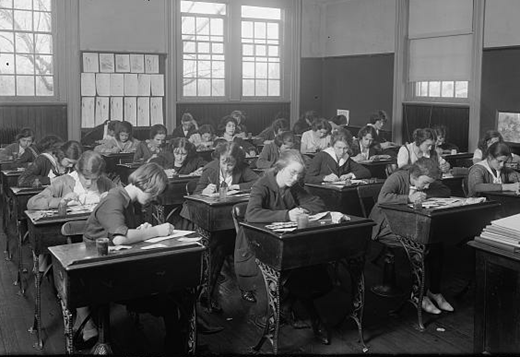 Junior High School: Classroom, by Harris & Ewing. Library of Congress Prints and Photographs Division, LC-H25- 91658-C
